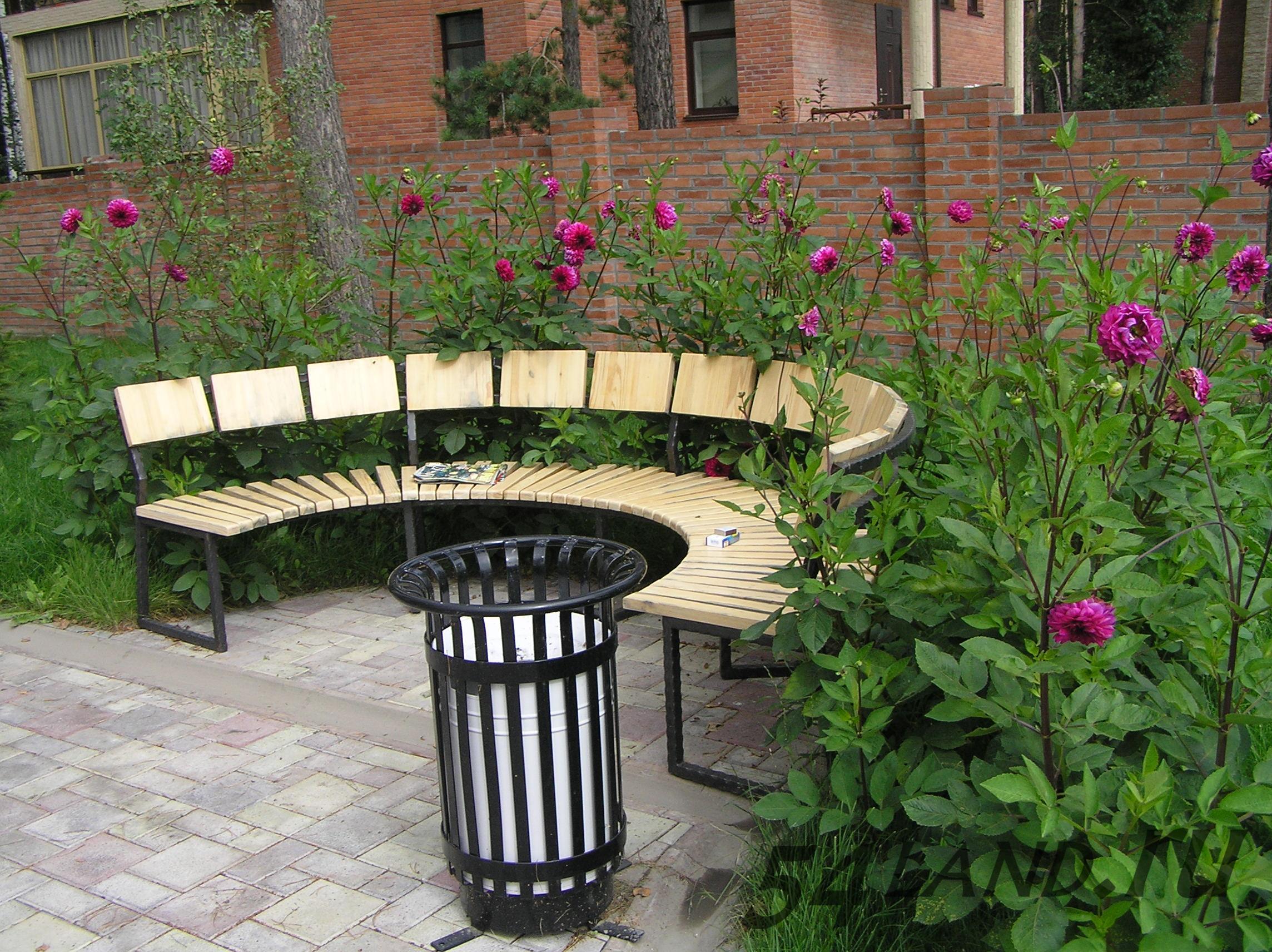 Полукруглая скамейка своими руками фото